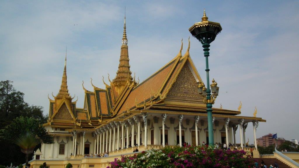 De Angkor à Phnom Penh, au fil du Mékong