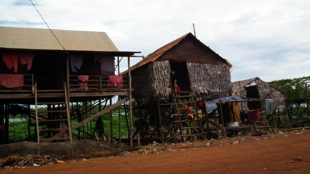 Maisons sur pilotis adaptées aux inondation
