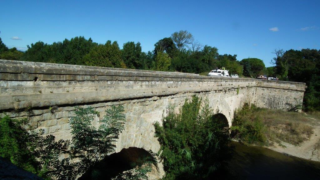 Pont canal de la Cesse