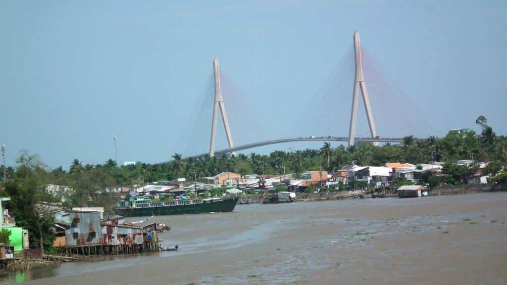 Pont de Cân Tho
