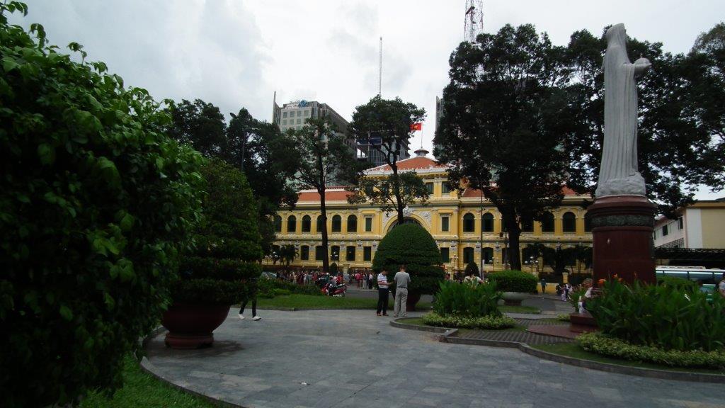 Statue de Notre-Dame de Saigon